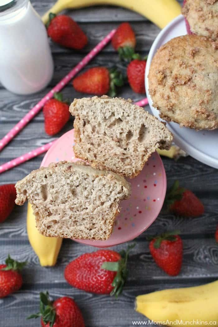 Strawberry Banana Crumb Muffins - Baby Food Favors