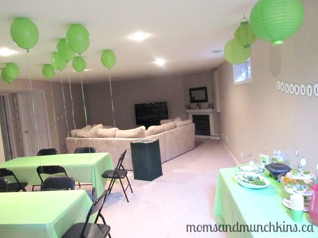 baby shower location ideas moms munchkins