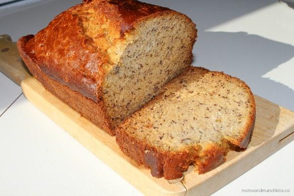 Easy Banana Bread Recipe (My Toddler's Favorite) Moms & Munchkins