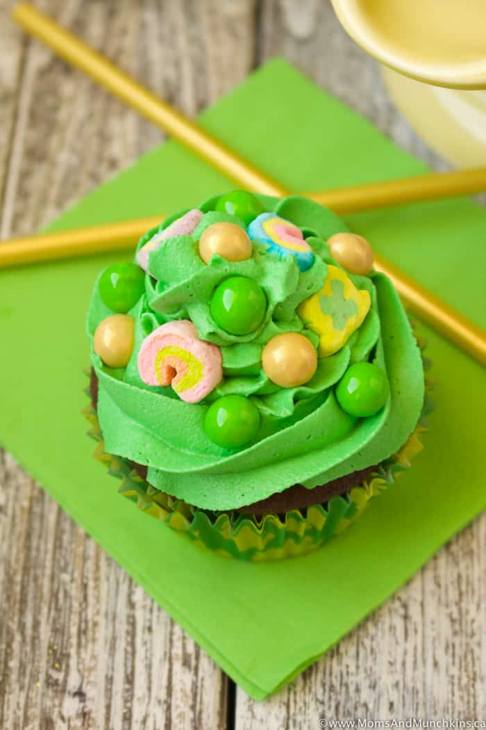 Hidden Treasure Cupcakes for St. Patrick's Day