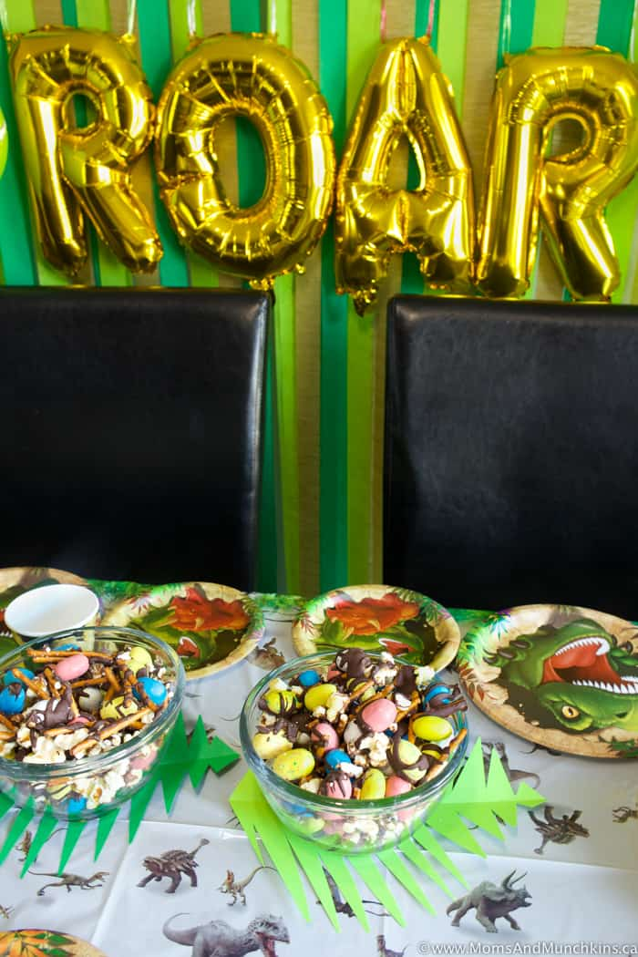 Dinosaur Munch Snack Mix