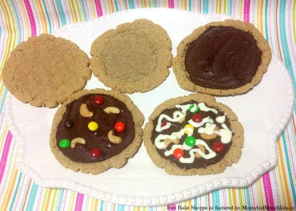 Peanut Butter & Chocolate Pizza Cookies Moms & Munchkins