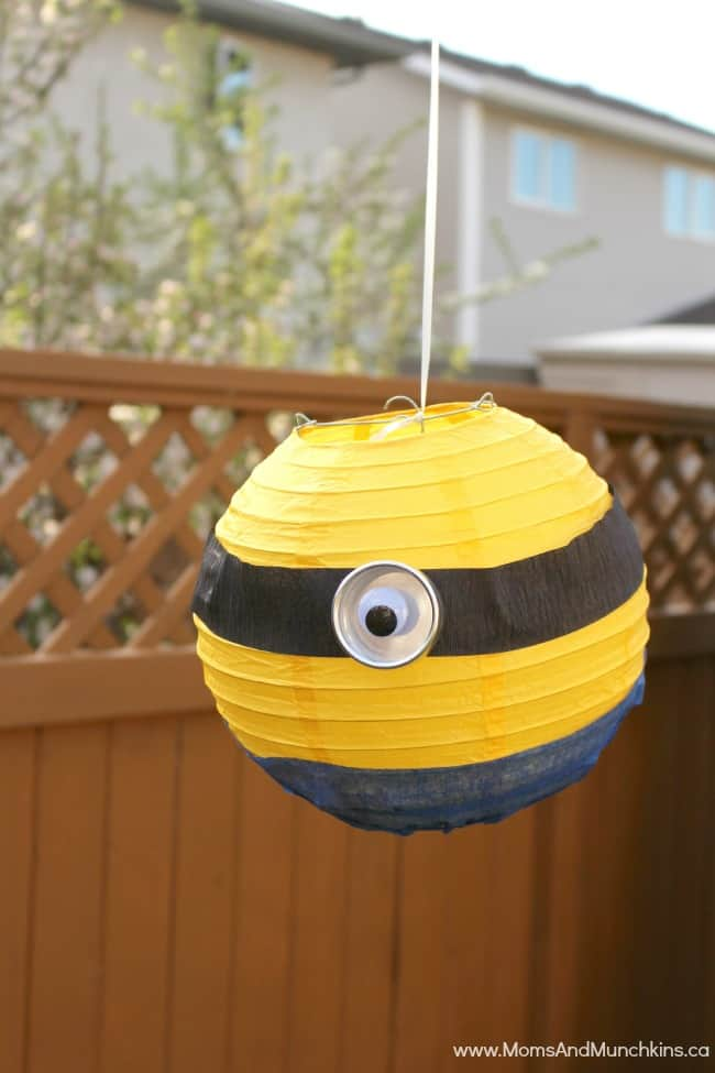Minions Birthday Party Ideas - Moms & Munchkins