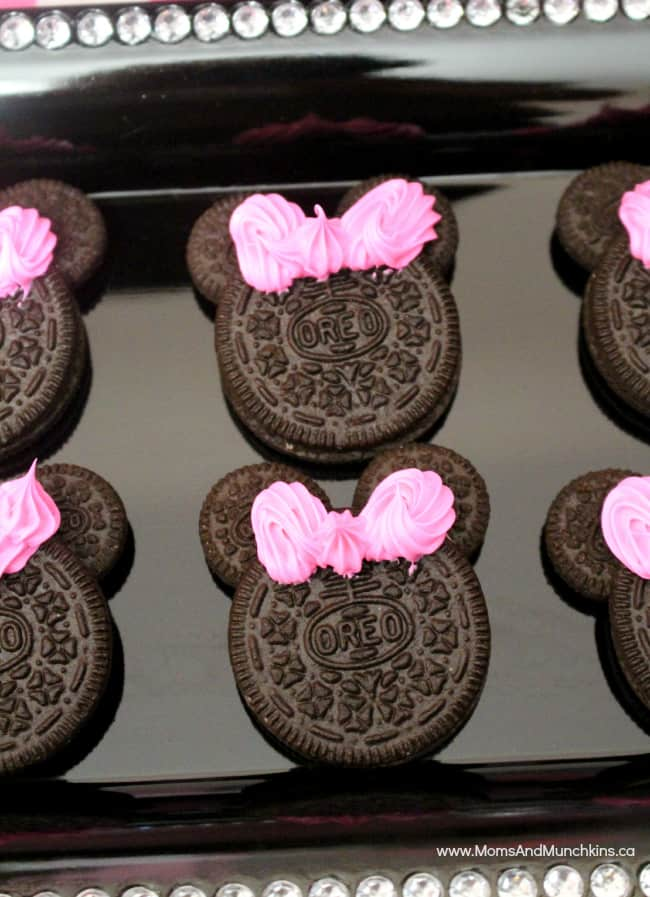 Minnie party ideas moms munchkins for Baby minnie mouse party decoration