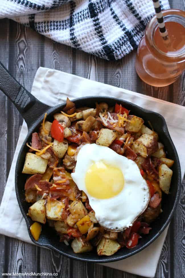 Skillet Breakfast Recipe - Moms & Munchkins