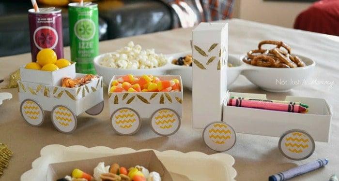 kids' Thanksgiving table