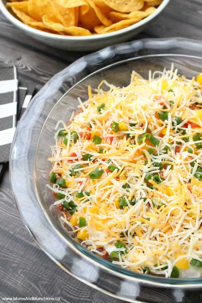 Layered Ranch Taco Dip - Moms & Munchkins