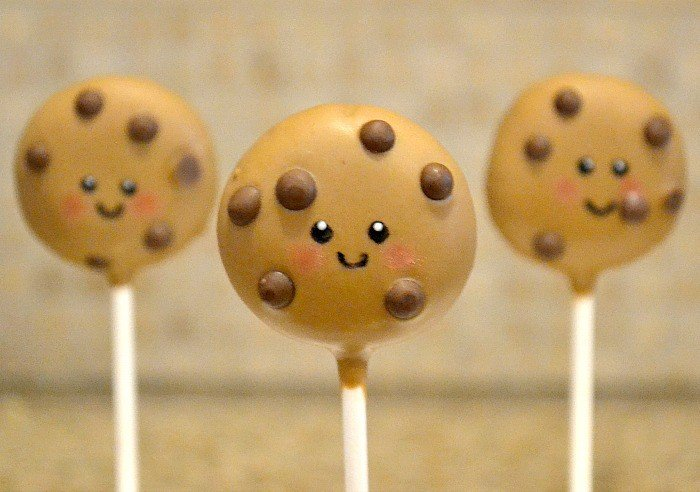 Cookie Cake Pops Party Treat Tutorial - Moms & Munchkins
