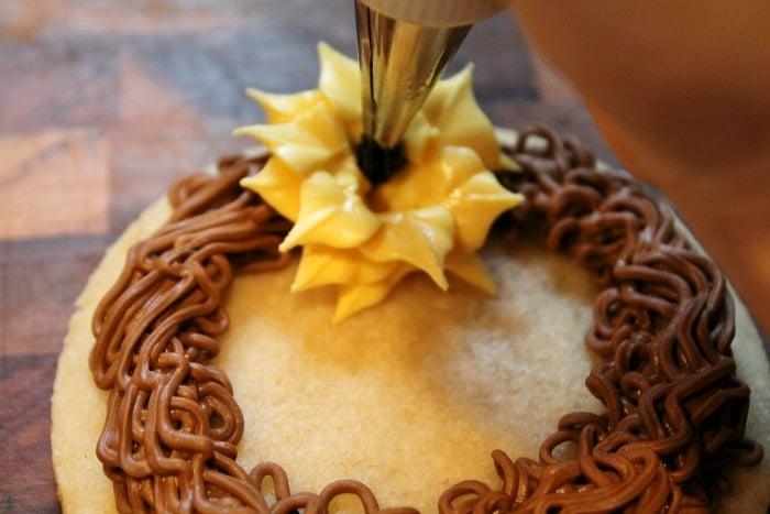 Sunflower Wreath Cookies Tutorial