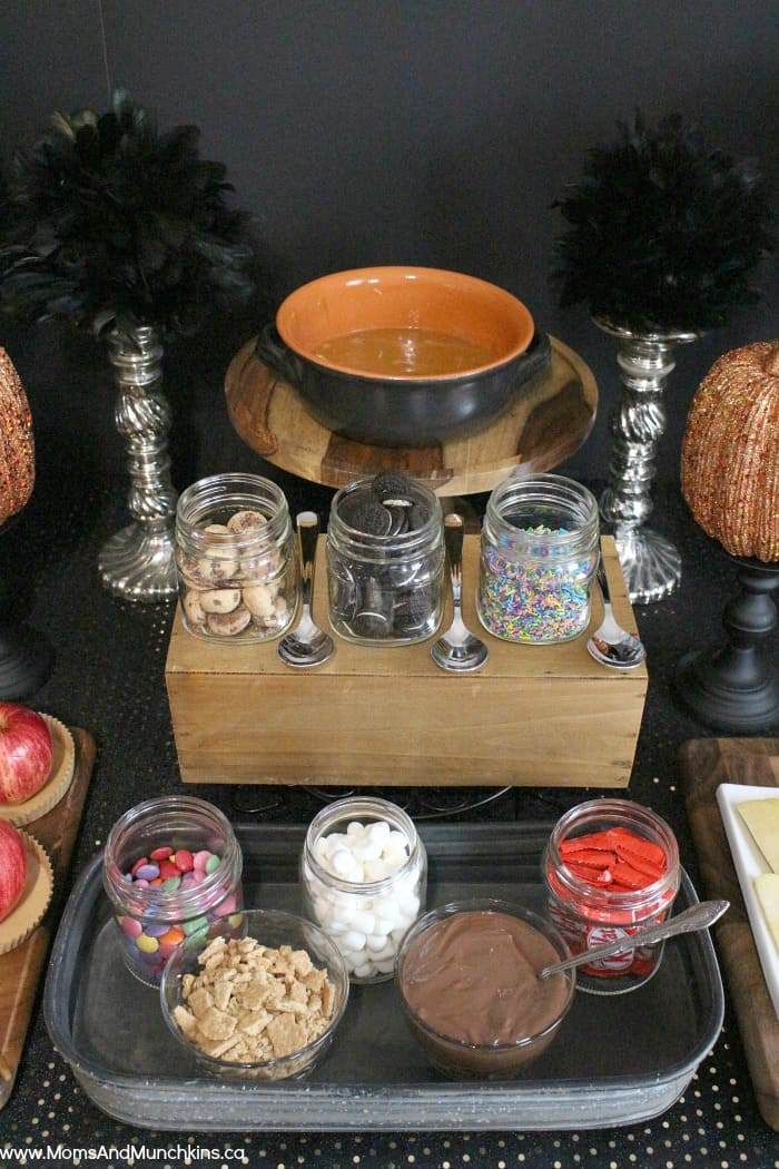 Caramel Apple Buffet Halloween Party Moms Amp Munchkins