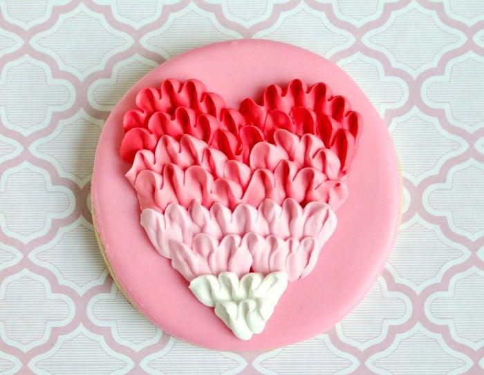 Ruffled Heart Cookies Decorating Tutorial