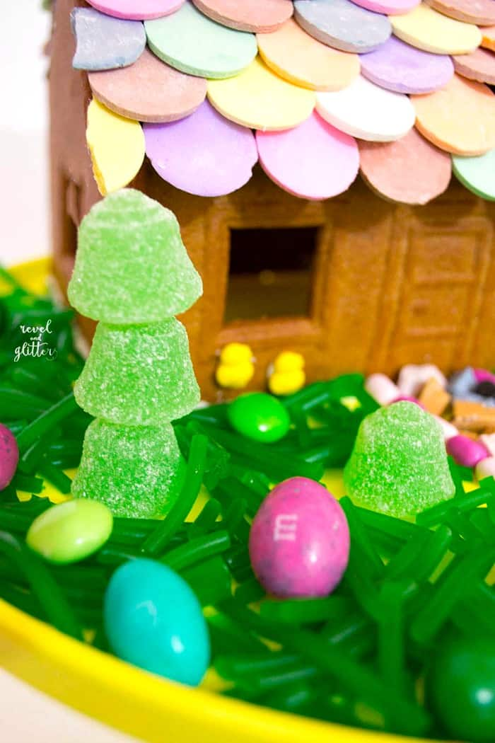 Easter Gingerbread House Decorating Ideas Moms Amp Munchkins