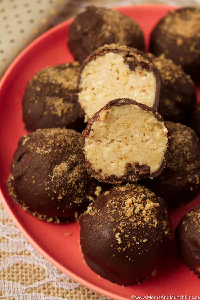 Cinnamon Bun Truffles