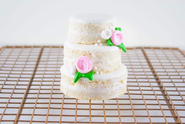 Mini Naked Wedding Cookie Cakes Instructions