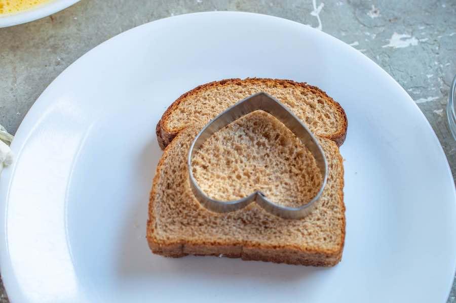 Cutting Toast