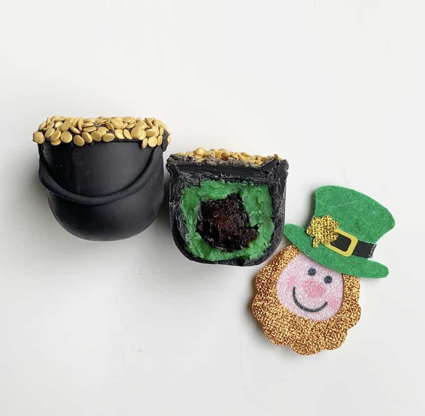 St Patrick's Day Cake Balls - Pot Of Gold